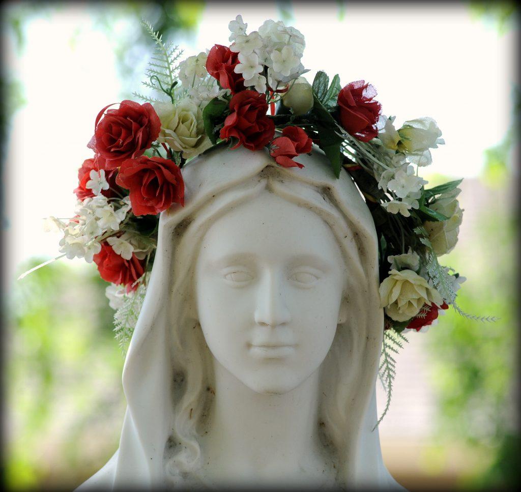 Rosary Statue that was crowned at Santa Teresa Parish